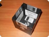 Поделки: Подставка для ручек из дискет с дном