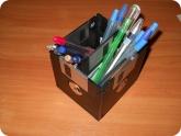 Поделки: Поделка из дискет - подставка для ручек и карандашей
