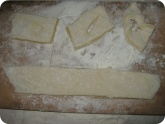 Кулинария: Формирование вергунов из теста