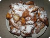 Кулинария: Готовые вергуны посыпанные сахарной пудрой